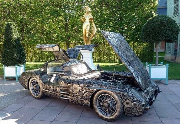 Cool Mercedes-Benz collected from pieces of iron