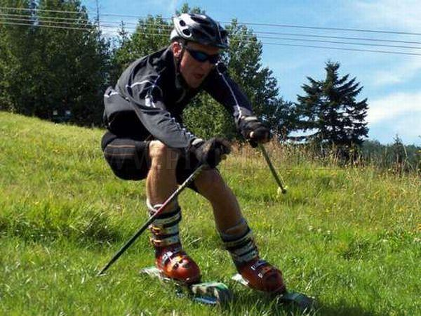 Grass Skiing