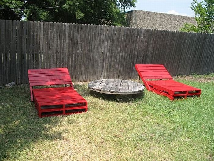 Things Made Out of Old Pallets