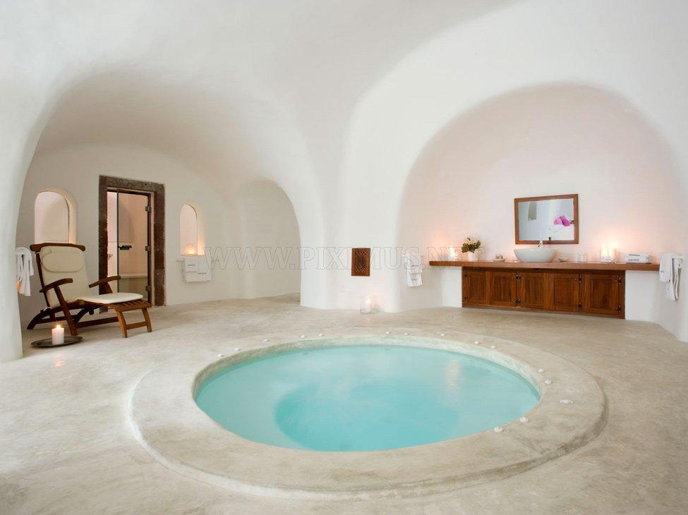 Perivolas - luxury mini hotel in Santorini