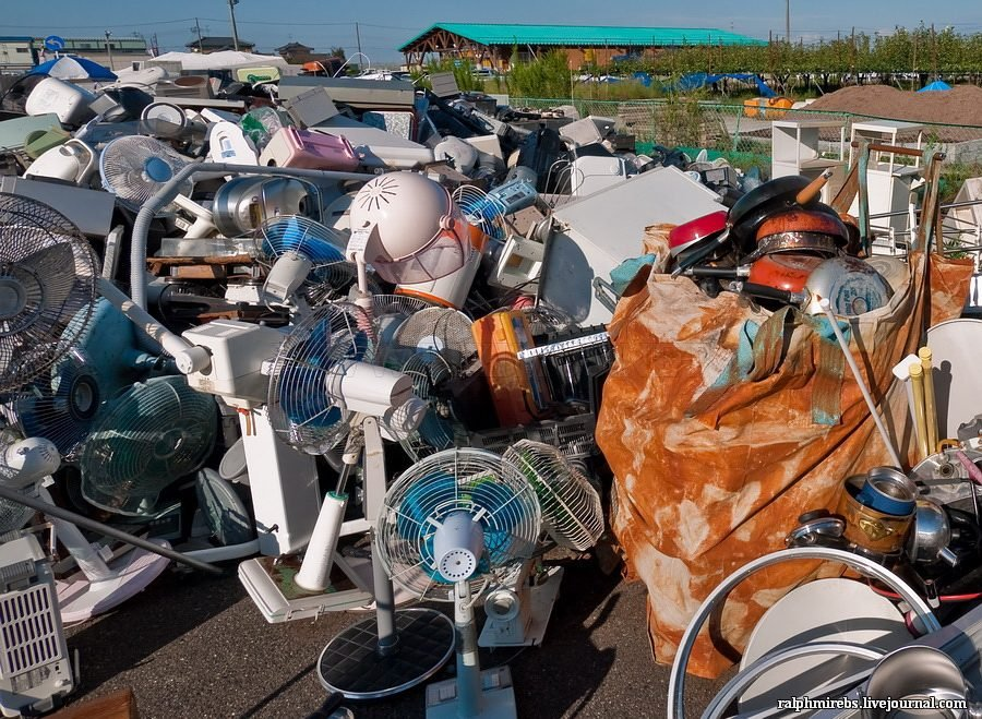 Graveyard for old technics in Japan
