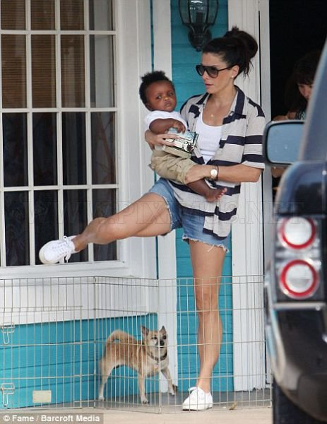 Sandra Bullock And Her Unsmiling Adopted Son | Celebrities