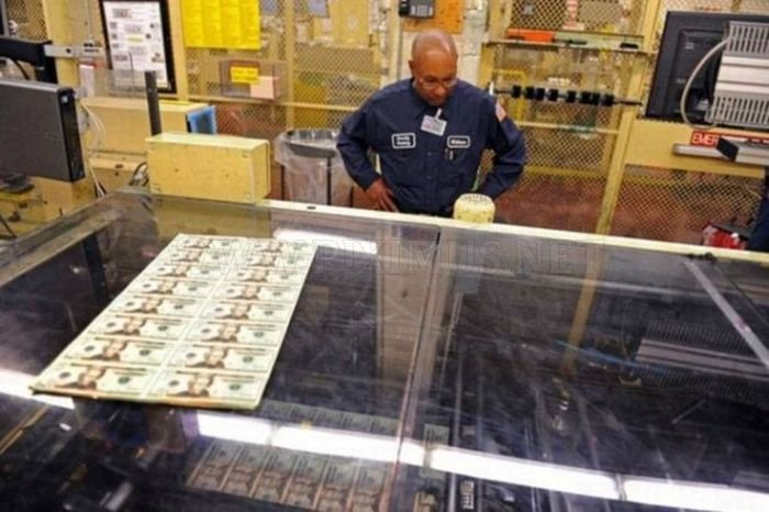 US Dollars manufacture