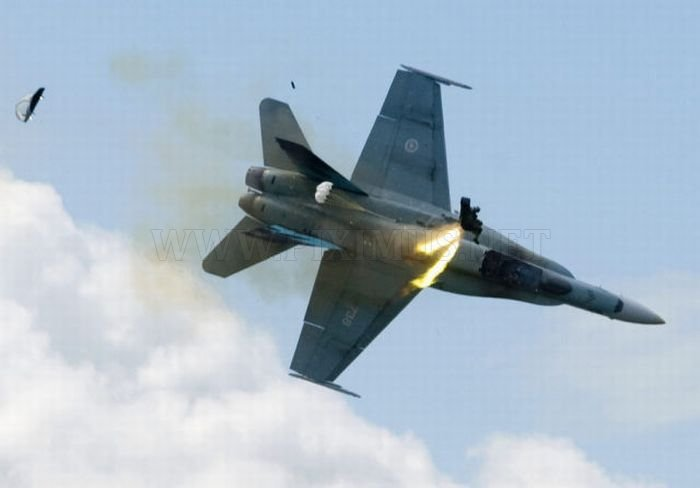 Pilot Survived a Fighter Jet Crash