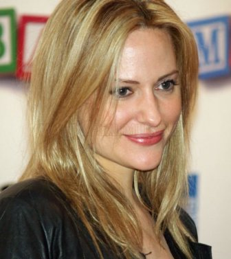 Aimee Mullins. The Story of a Strong Woman