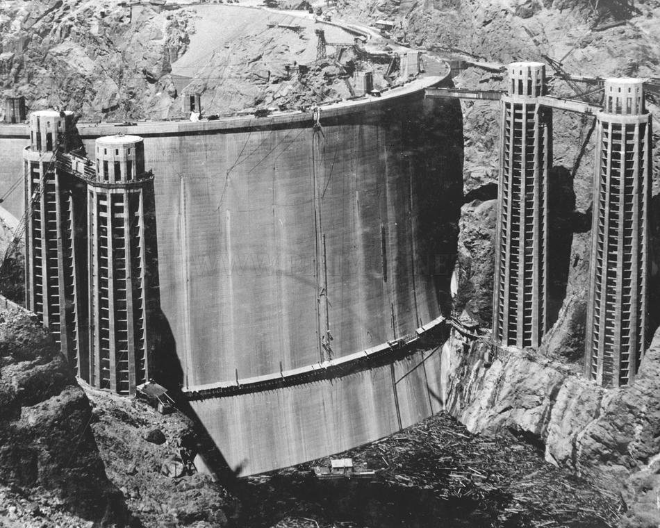 Hoover Dam building
