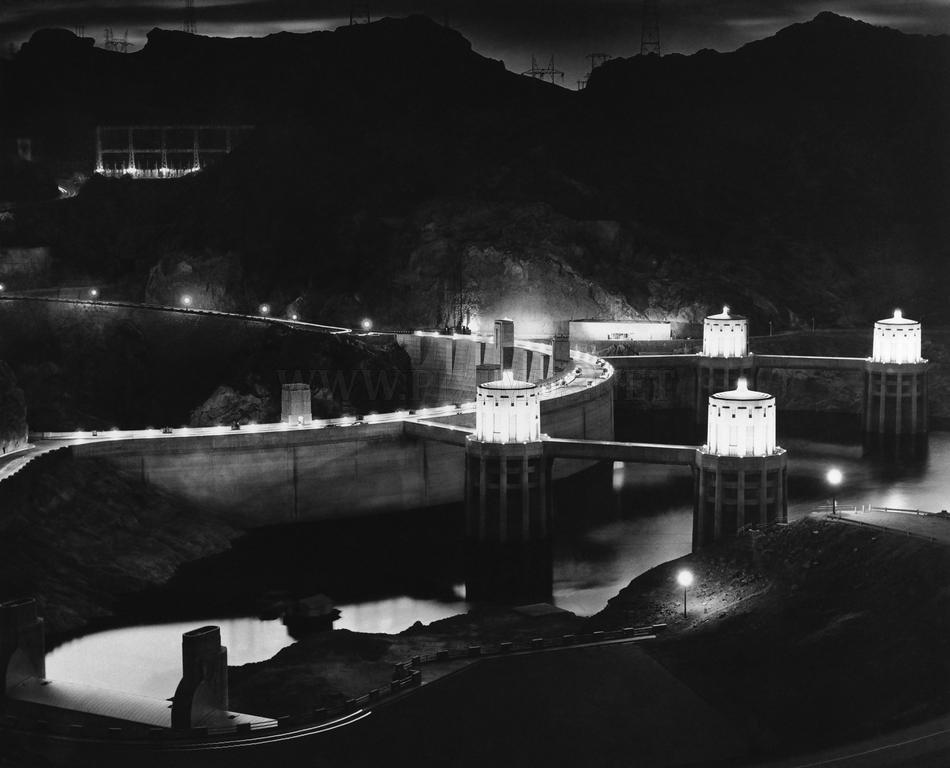 Hoover Dam building