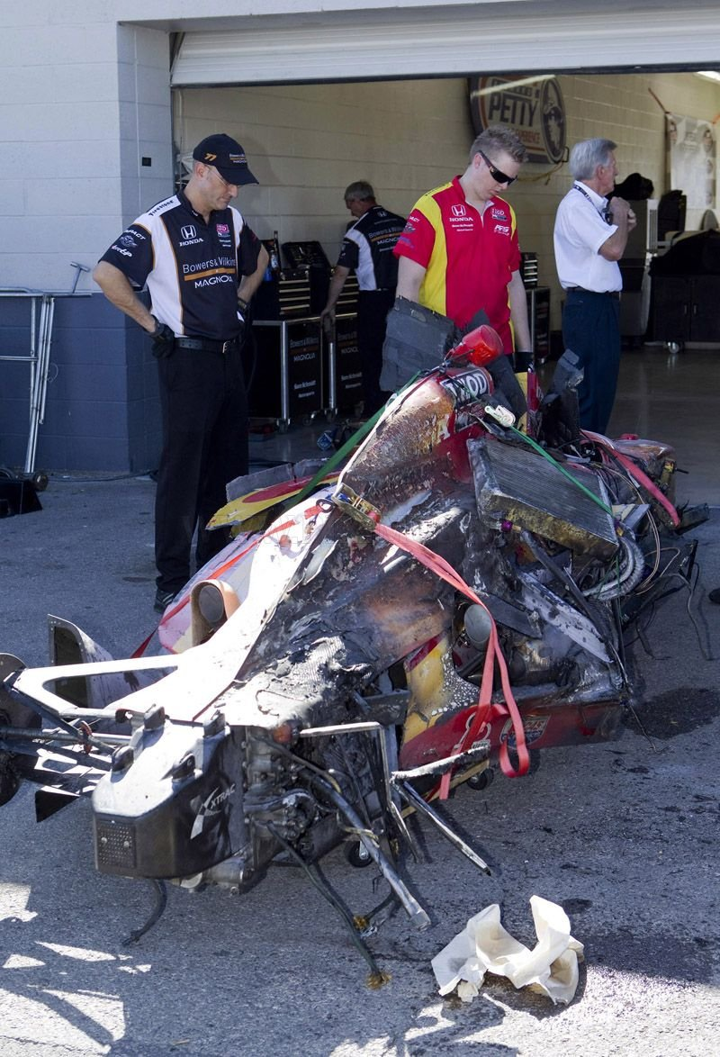 Dan Wheldon Dies Following Indycar Crash In Vegas Vehicles