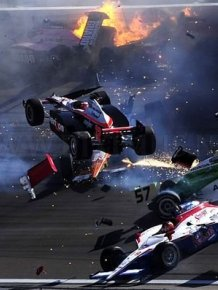 Dan Wheldon dies following Indycar crash in Vegas