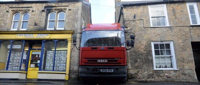 Truck Driver's Epic Fail