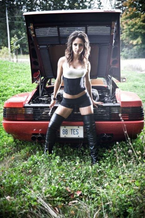 Hot Girls και εξωτικά αυτοκίνητα