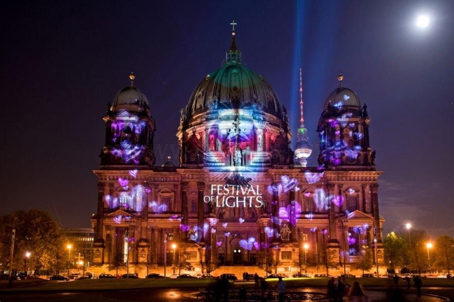 festival of lights in berlin art. Black Bedroom Furniture Sets. Home Design Ideas