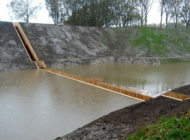 Moses Bridge of Fort de Roovere