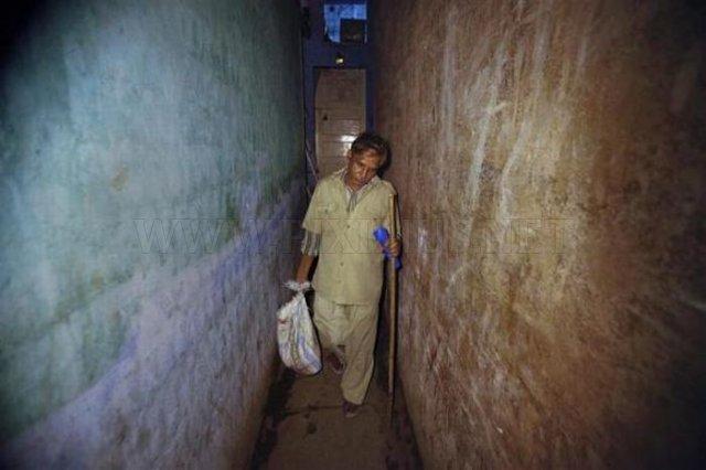 Mumbai's Rat-Catcher