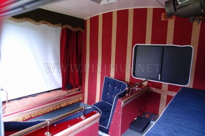 The smallest cinema powered by the sun