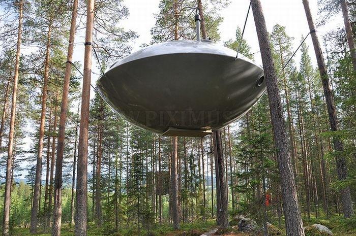 UFO Treehouse in Sweden