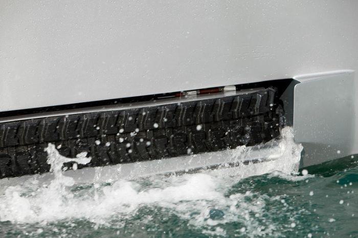 Iguana 29'. The Ground Boat