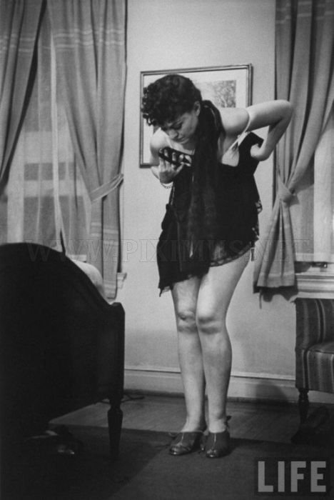 Striptease Lesson in 1937 , part 1937