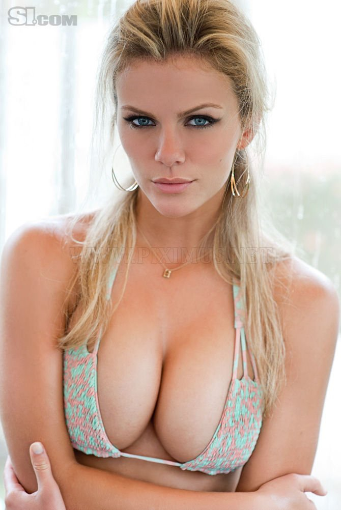 Huge Celebrity Cleavages
