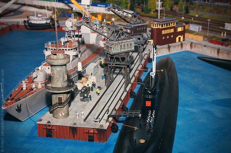 A huge model of Russia