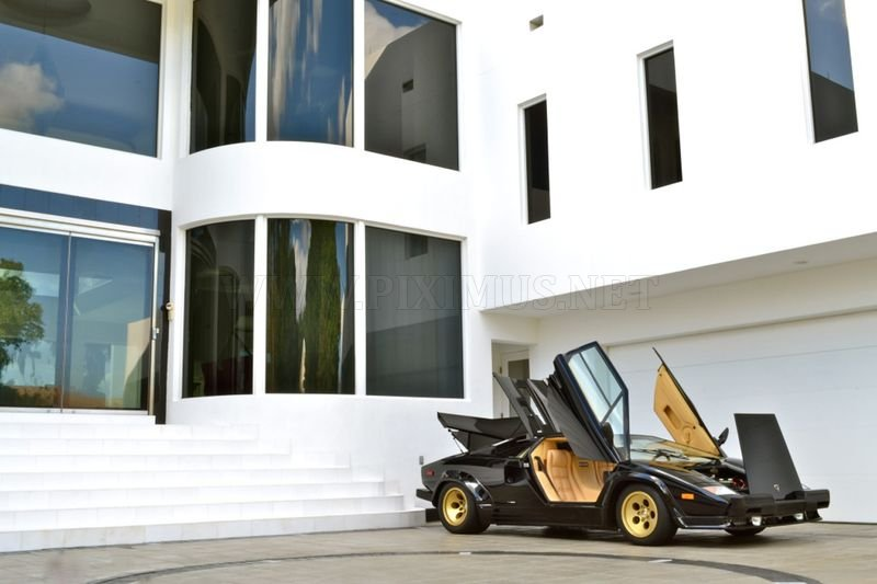 Lamborghini Countach QV 5000 on 1979 miles