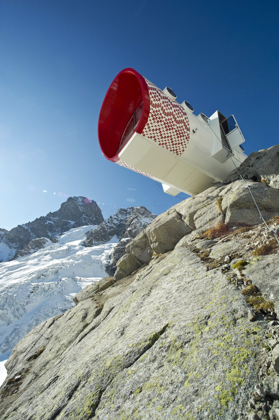 Refuge Gervasutti - a haven for rock climbers in the Alps