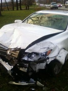 Crashed Lexus LS600HL