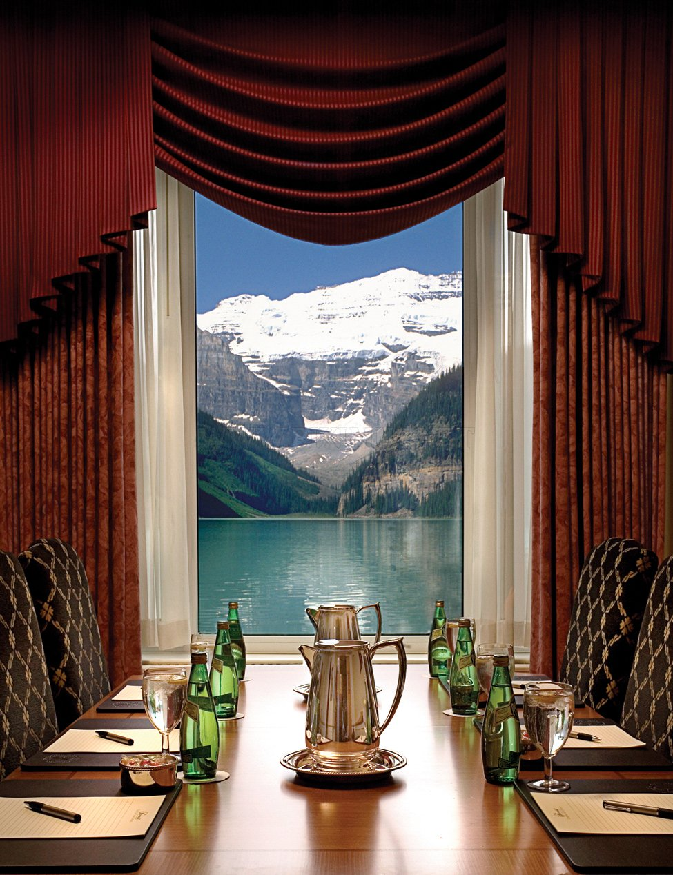hotel fairmont chateau lake louise in canada others. Black Bedroom Furniture Sets. Home Design Ideas