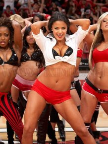Top 10 Hot Cheerleaders