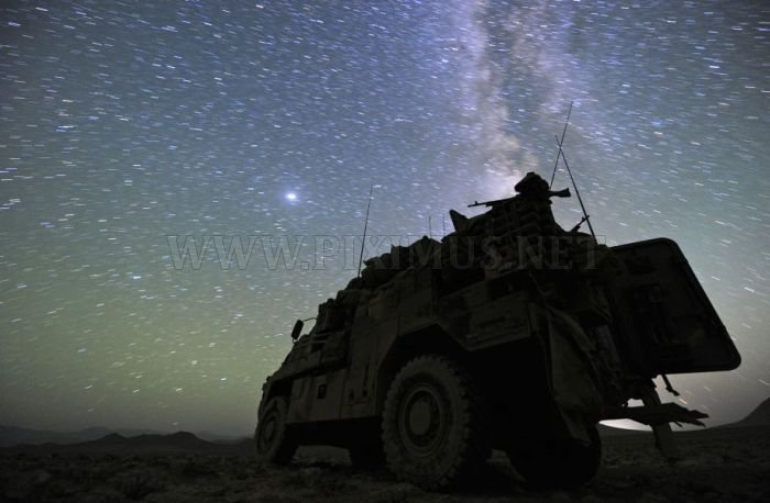 Soldiers ad Night