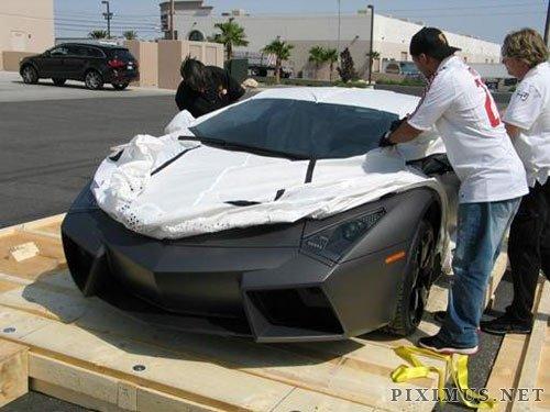 Unpacking A Brand New Lamborghini Reventon