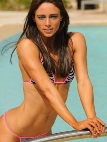 Fitness and Swimmer hot girl - Juliana Daniell