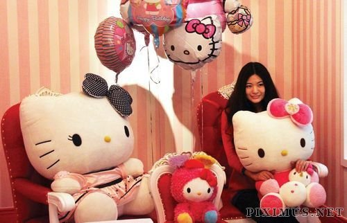 A Hello Kitty Themed Restaurant in China