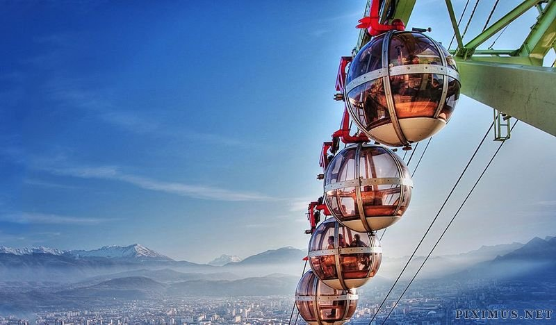 The most impressive lifts of the World