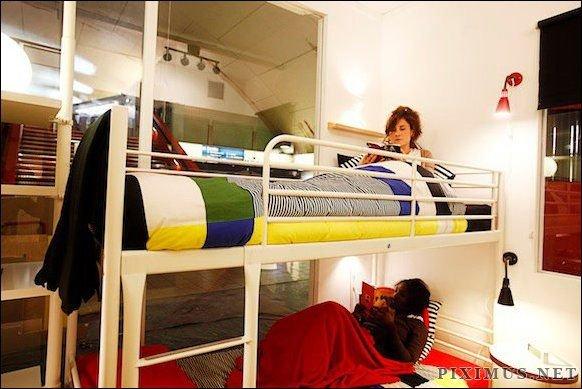 Unique Apartment inside Paris Metro