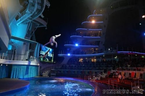 Allure of the Seas - the biggest cruise ship