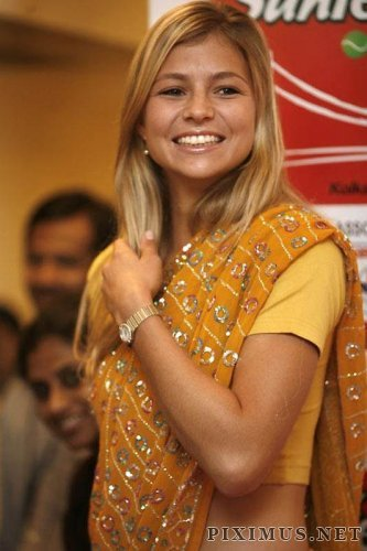 Celebrities in the Indian sari