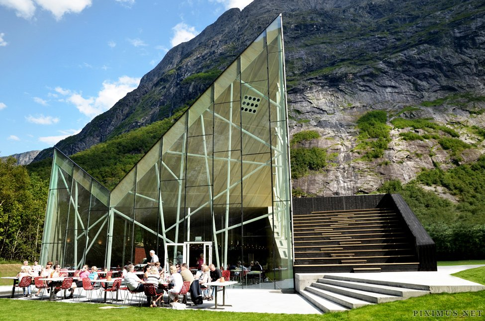 Trollwall Restaurant - perfect landscape and cuisine at the foot of the mountains
