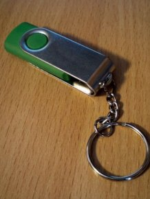What Is Inside a Chinese USB Stick