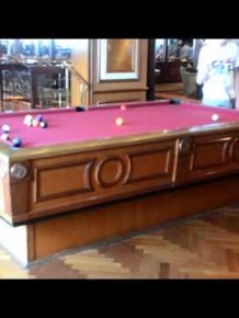 Gyroscopic self-leveling pool table on the cruise ship