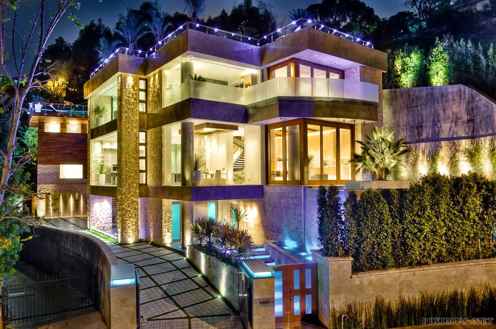 A three-storey mansion in Los Angeles