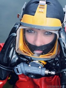 Hot Girls Scuba Diving