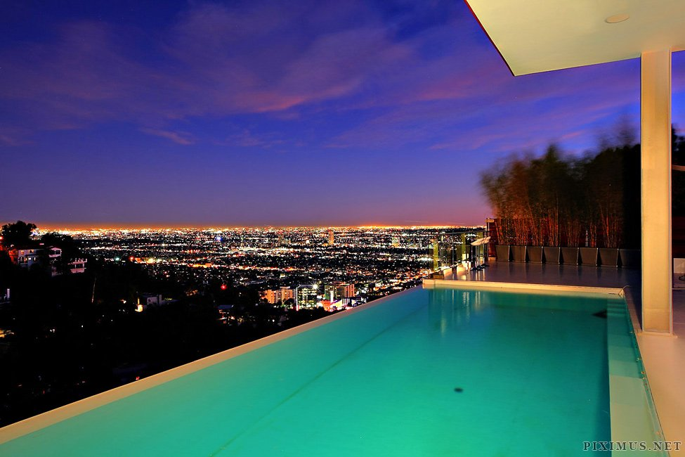 A Modern Architectural Masterpiece In The Hollywood Hills Others - Hollywood-hills-architectural-masterpiece