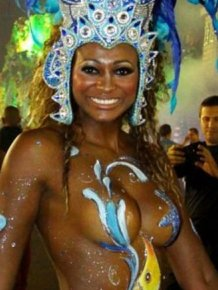 Naughty photos from Carnival in Rio 2012
