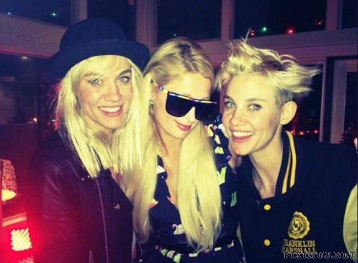 Paris Hilton Twitpics