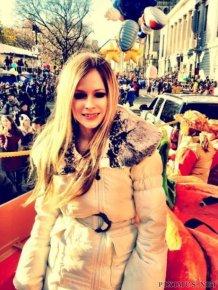 Avril Lavigne Twitpics