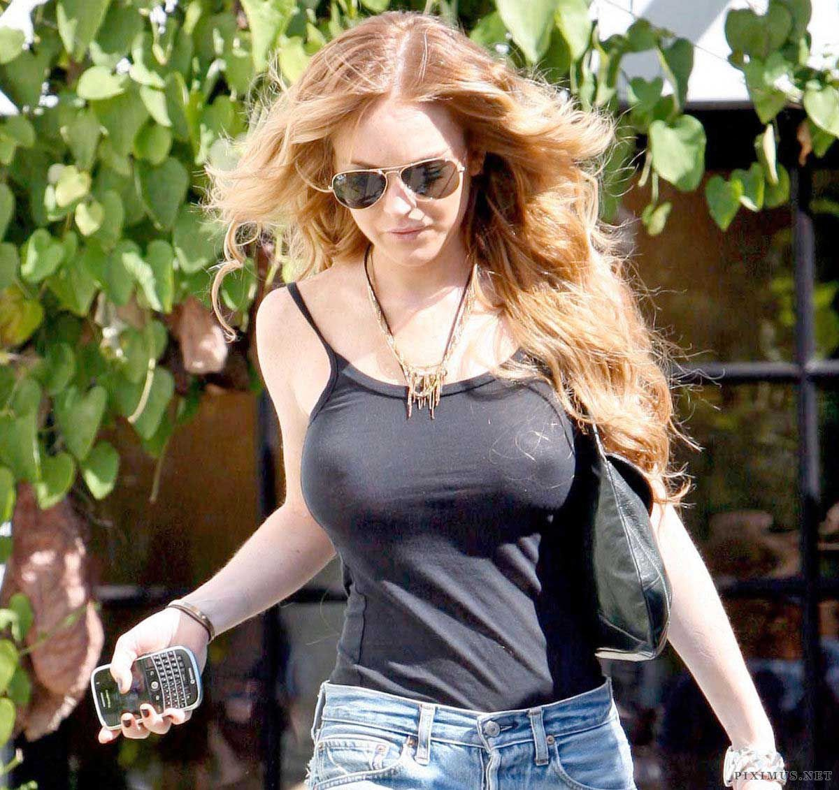 Lindsay Lohan without bra