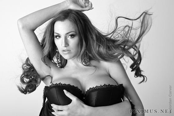 Jordan Carver photos