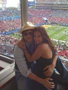 Celebrity Couples Who Look Happy