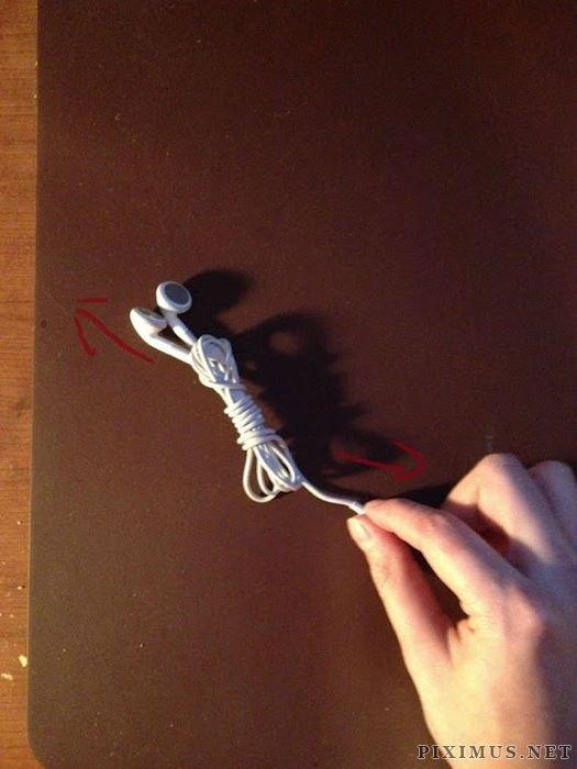 Simple and Useful Method of Tying Headphones